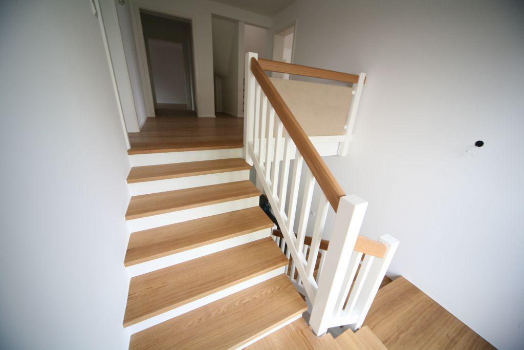 haus 1 treppenhaus bild 4 sanieren in bonn bossmann gmbh. Black Bedroom Furniture Sets. Home Design Ideas